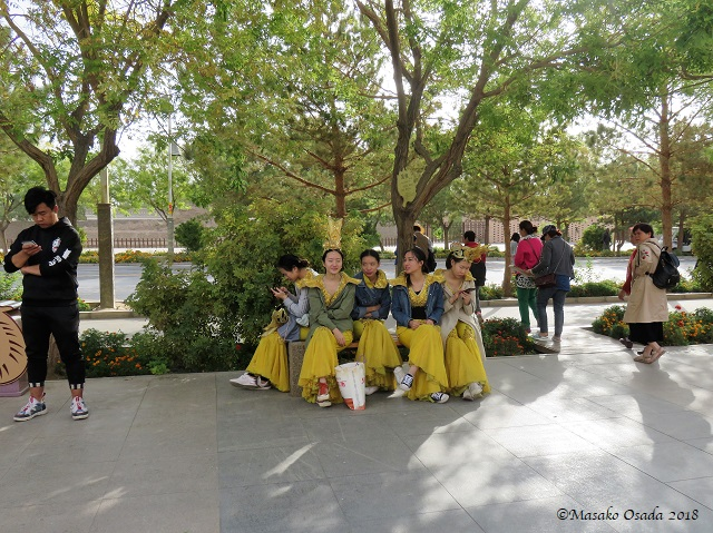 Dancers. Mingsha Mountain Crescent Spring Resort, Dunhuang, Gansu, September 2018