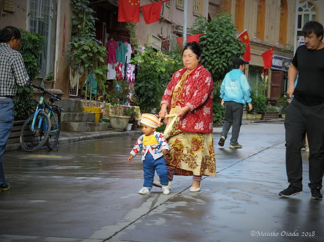 With Granny. Old City, Kashgar, Xinjiang, September 2018