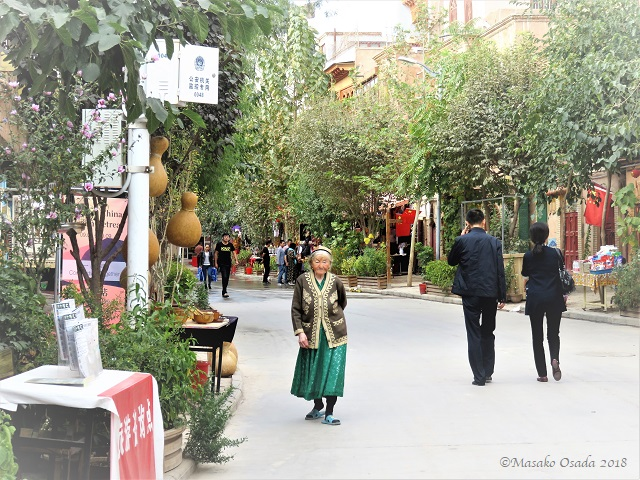 Fashion icon. Old City, Kashgar, Xinjiang, September 2018