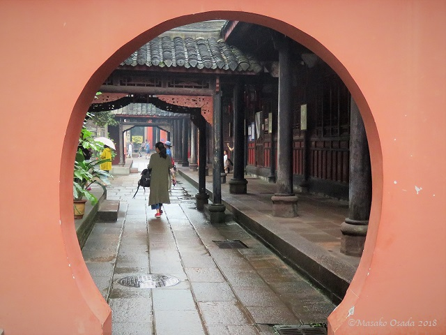 Light rain. Wenshu Monastery, Chengdu, Sichuan, September 2018